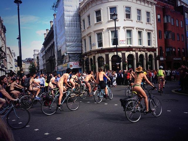 naked-bike-ride3