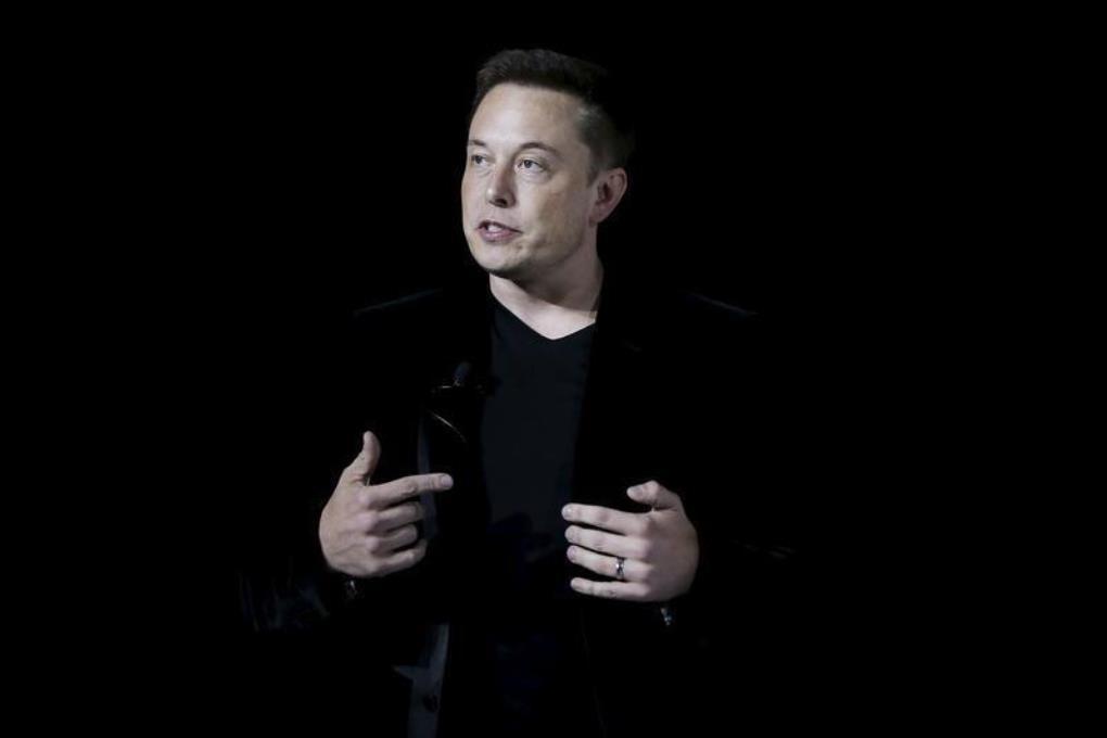 Элон Маск: Apple строит электромобиль