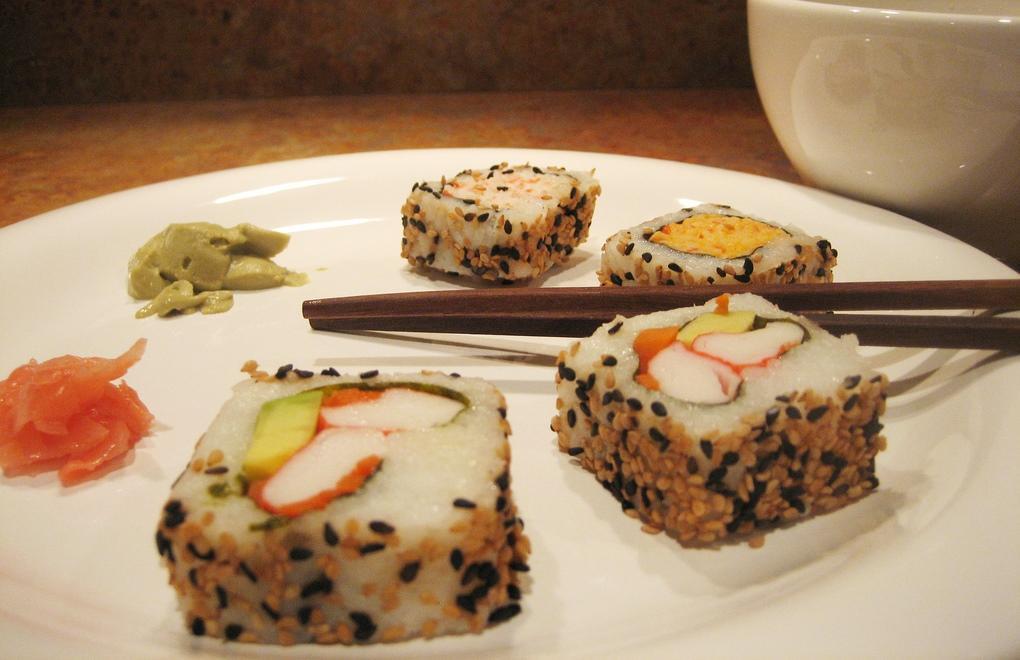 Заблуждение №5: суши едят палочками